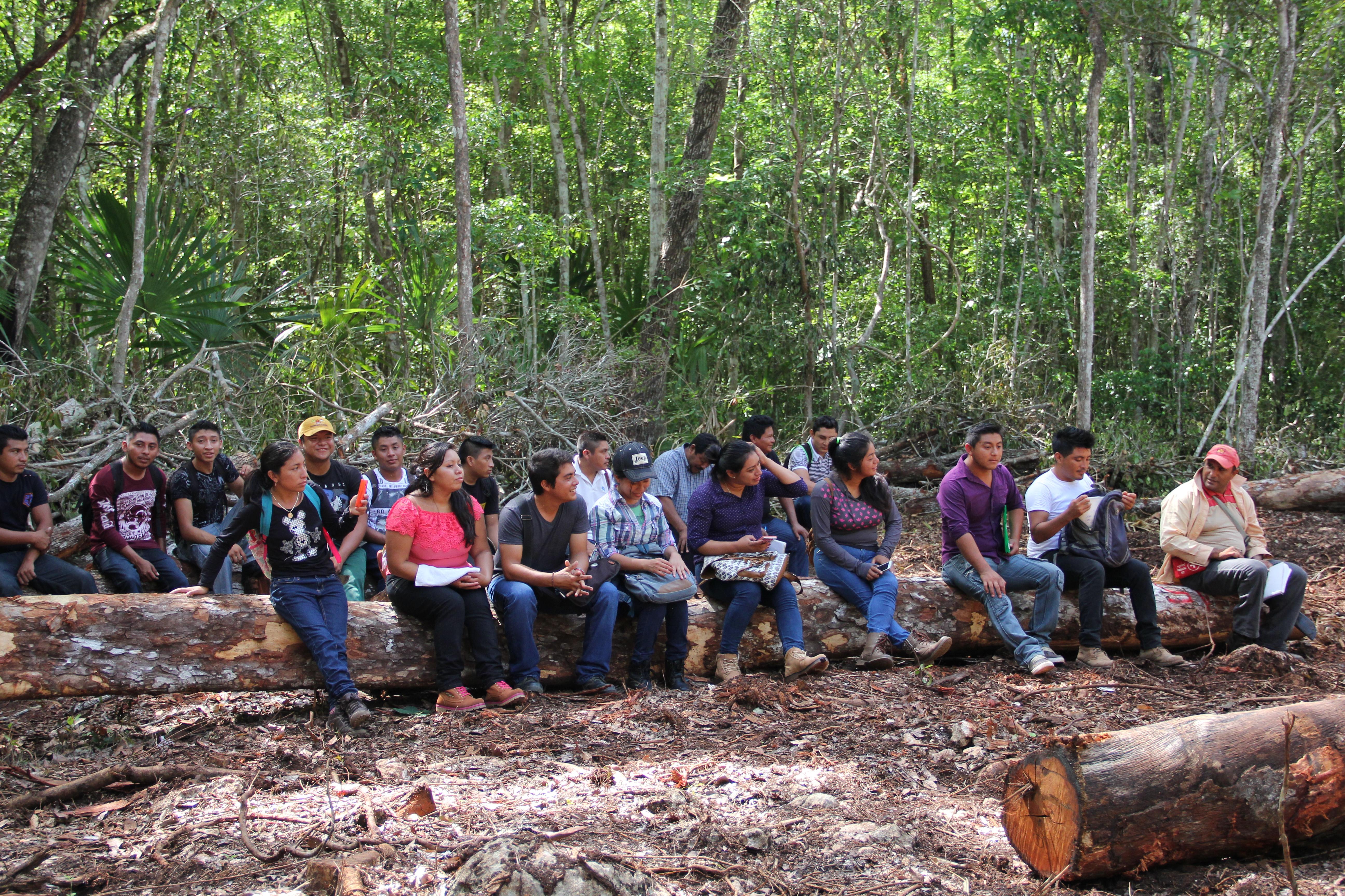 La participación de los jóvenes, mujeres y hombres, en la gestión y el aprovechamiento de los recursos naturales es fundamental para garantizar la resiliencia de las comunidades.